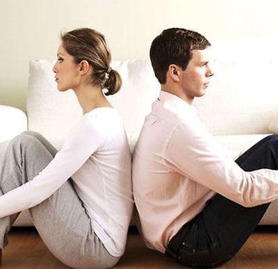 بی اعتمادی زوجین به یکدیگر